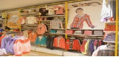 Andrea Milano tiendas